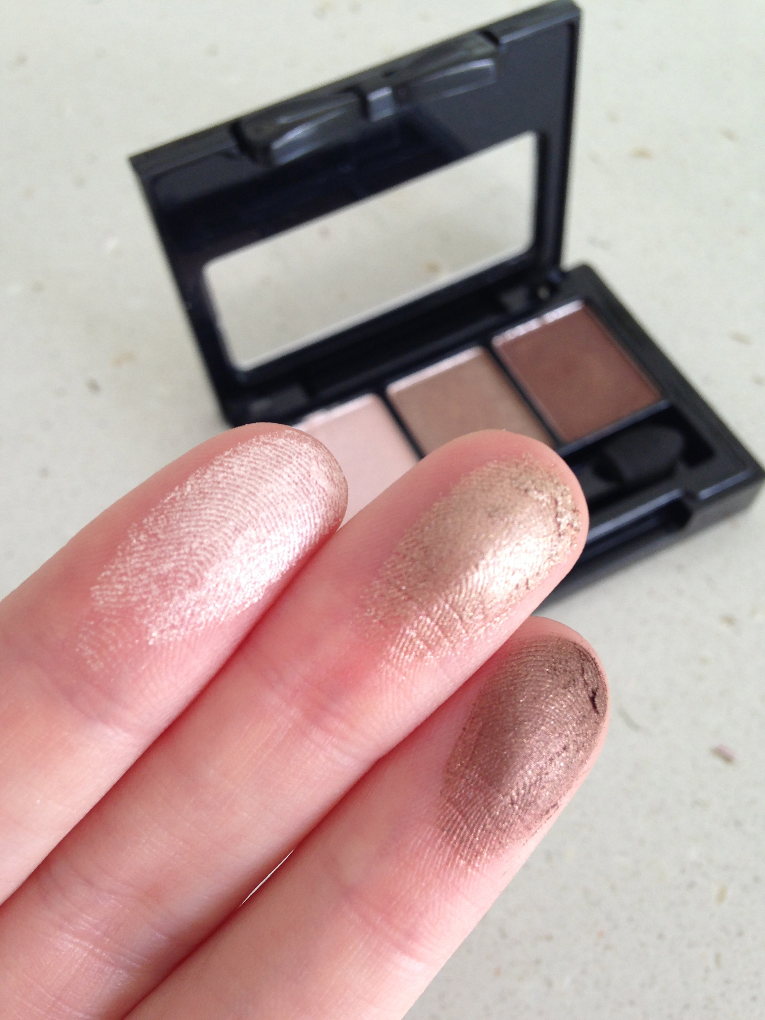 THE REVIEW + SWATCH: NYX Love In Rio Eyeshadow Palettes